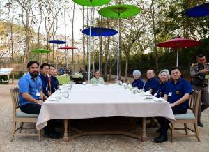 『ドイトンでの食事会1』の画像