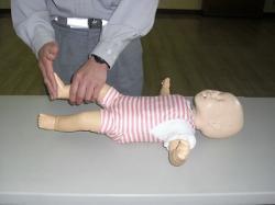 乳児の反応の確認